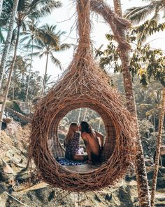 ♡ We love this moment created in Bali, Indonesia 🇮🇩 ↡ Remember to tag us or use for YOUR chance to be featured! Vacaciones Gif, Ideas Cabaña, Ubud Indonesia, Jardin Decor, Bali Honeymoon, Cool Tree Houses, Beautiful Places To Travel, Bali Travel, Travel Couple