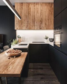 Stylish Kitchen, Modern Kitchen Design, Interior Design Kitchen, New Kitchen, Kitchen Decor, Room Interior, Kitchen Wood, Kitchen Ideas, Kitchen Small