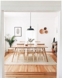 42 Best Dining Room Lighting Ideas For 2019 - Home Decorating Inspiration Dining Room Design, Home Design, Interior Design Living Room, Modern Design, Dining Room Inspiration, Home Decor Inspiration, Dinning Room Ideas, Dining Rooms, Ideas Hogar