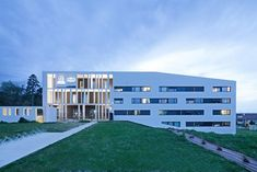 ACADEMY OF ART CRAFTS ESMA, Villeneuve-Tolosane, 2013 - LCR Architectes