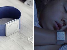 """A """"pulseira"""" Embrace avisa os familiares de pessoas com epilepsia caso elas tenham convulsões para serem socorridas a tempo."""