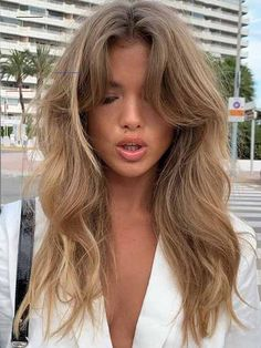 Hair Makeover: 20 Blonde Hair Colour Ideas - #hairideas - Whether you're a natural blonde or brunette-turned-blonde, there comes a time where you've got to do your blonde hair due diligence. What I mean is, it's risky business to go blonde or blonder without a perfect photo reference of exactly what blonde you want. As someone with an extensive Pinterest board full of blond... Curly Hair Styles, Natural Hair Styles, Curly Hair Colour Ideas, Natural Beauty, Neutral Blonde, Hair Due, Latest Hair Color, Ash Blonde Hair, Blonde Brunette