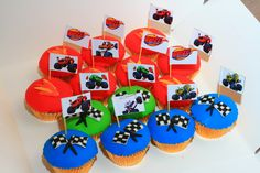 https://flic.kr/p/zmiDYN | Blaze cupcakes