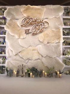 Подслушано у декораторов Backdrop Frame, Floral Backdrop, Backdrop Ideas, Photo Booth Backdrop, Flower Decorations, Wedding Decorations, Christmas Decorations, Church Stage Design, Wedding Wall