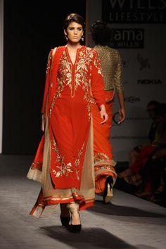 New Delhi: Wills Lifestyle India Fashion Week Autumn-Winter'14 - Vineet Bahl
