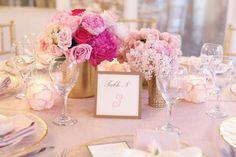 4 Types of Gorgeous Centerpieces with Mini Floral Arrangements - WeddingDash.com