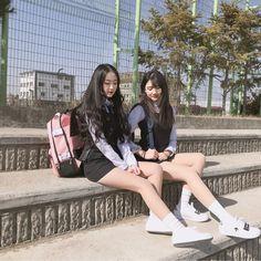 Cute School Uniforms, School Uniform Fashion, Ulzzang Couple, Ulzzang Girl, Cute Korean, Korean Girl, Korean Student, Girls In Mini Skirts, School Looks