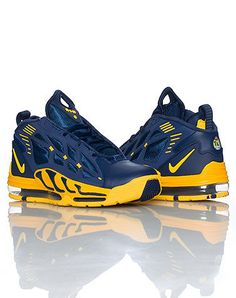 Free Running Shoes, Nike Free Shoes, Nike Shoes Outlet, Nike Running, Nike Shoes Air Force, Nike Air Max, Blue Sneakers, Sneakers Nike, Zapatillas Nike Jordan