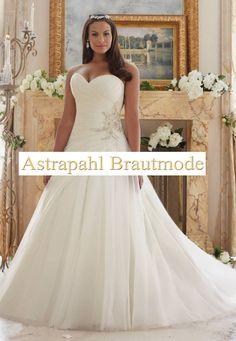 """""""Astrapahl die Boutique """" Dein Fachgeschäft für Abendmode und Brautmode in Bleckede bei Lüneburg. Viele Kleider auch in großen Größen. Abendkleider und Brautkleider zu günstigen Preisen !"""