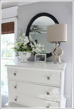 How To Accessorize Your Home Like A Pro (great tips and lots of examples!) gray walls