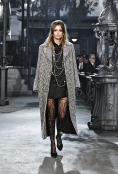 Chanel | Pre-Fall 2016 | Look 3