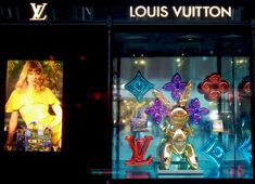 Across all creative industries, colour trends 2018 are extremely diverse, from bold and bright saturated colours, through new shades of pastels to metallics Color Trends 2018, Louis Vuitton, Saturated Color, Creative Industries, Visual Merchandising, Pastel, Colours, Artist, Painting