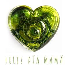 Feliz día a todas las mamás. Te quiero mucho madre mía 😘💐🌹🌷 . . . . #diadelamadre2020 Coins, Personalized Items, Glass Bottles, Happy Day, Atelier, Studio, Coining