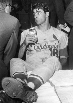 Vintage Sports Pictures — Cardinals hitter Mike Shannon relaxed after a. St Louis Baseball, St Louis Cardinals Baseball, Stl Cardinals, Reds Baseball, Baseball Stuff, Baseball Cards, Baseball Pictures, Sports Pictures, Cardinals Players