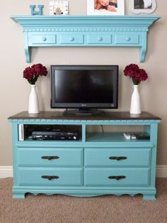 CraftyMomz: Old Dresser = Entertainment Center!!!