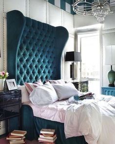 Great looking bedroom. Amazing colors. Love the books everywhere. :-) #interior #decor by decor