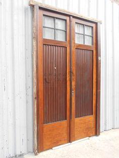 Tres antiguas portadas de madera a vidrios repartidos - Puertas usadas de madera ...