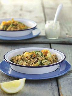 Zucchini with bulgar wheat and fresh herbs. kolokythakia me pligouri Bulgar Wheat, Greek Cooking, Cooking Food, Greek Recipes, Fresh Herbs, No Cook Meals, Fried Rice, Main Dishes, Curry