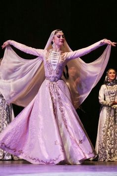 A traditional Chechen woman in traditional Chechen dress Folk Fashion, Dance Fashion, Hijab Fashion, Fashion Outfits, Indian Bridal Fashion, Folk Costume, Historical Clothing, Dance Costumes, Traditional Dresses