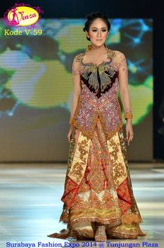 product name from Album Fashion Show by Venza Kebaya