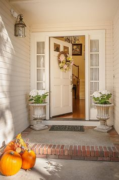 For some reason, I've become obsessed with front door photographs!  #frontdoor