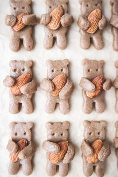 "Healthy Tahini ""Teddy Grahams"" (vegan, gluten-free, and oil free) Vegan Gluten Free, Gluten Free Recipes, Gourmet Recipes, Dairy Free, Lactose Free, Fish Recipes, Chicken Recipes, Vegan Recipes, Bear Cookies"