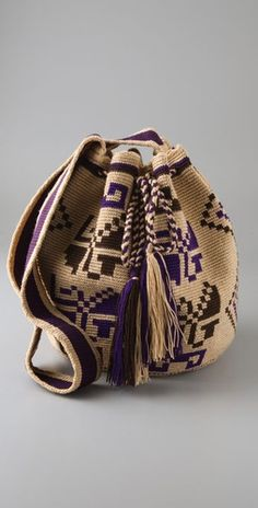 Wayuu Taya Foundation Tapestry Bag, Tapestry Crochet, Form Crochet, Knit Crochet, Violet Brown, Boho Bags, Beige Background, Crochet Accessories, Crochet Crafts