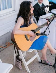 If you want to learn how to play guitar basics, choose Jackie to help you. This classical guitar teacher is available for aspiring musicians in the Malvern area.