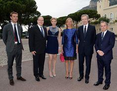 Alberto y Charlene de Mónaco disfrutan con sus sobrinos de la moda en palacio #realeza #royalty