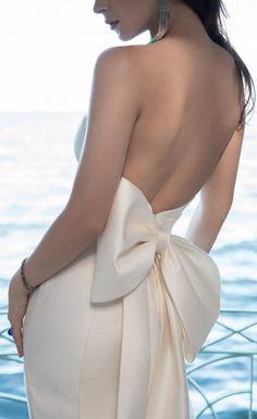Wtoo Wedding Dress Collection Fall 2017 - Belle The Magazine Stunning Wedding Dresses, Modest Wedding Dresses, Bridal Dresses, Wedding Gowns, Bow Wedding, Peacock Wedding, Gothic Wedding, Wedding Rustic, Fall Dresses