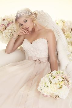 Essense of Australia D1702 - Woodbury, MN | Raffine Bridal