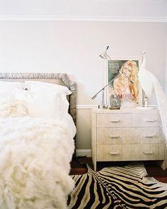 vintage girl bedroom.. LOVE the zebra rug