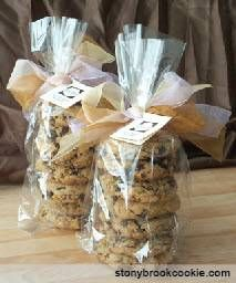 wedding favor idea.wedding.cookies with loteria boxes cute at table