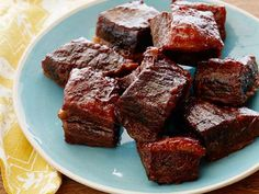 Easy BBQ Short Ribs : Sunny cooks her short ribs slow and low, at 300 degrees for three hours, resulting in tender meat that's falling off the bone, all with little effort.