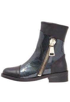 Tilaa ilman lähetyskuluja  Shoeshibar SCULPTOR - Nilkkurit - black : 137,95 € (9.4.2017) Zalando.fi-verkkokaupasta.
