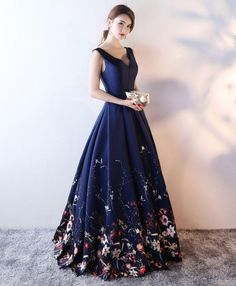 Navy Blue Satin and Floral Floor Length Party Gowns, Prom Dresses Formal Gowns - Navy Blue Satin and Floral Floor Length Party Gowns, Prom Dresses 2019 – BeMyBridesmaid Source by Floral Evening Dresses, Navy Blue Evening Gown, Navy Prom Dresses, Vintage Evening Gowns, Long Prom Gowns, Ball Dresses, Pretty Dresses, Beautiful Dresses, Formal Dresses