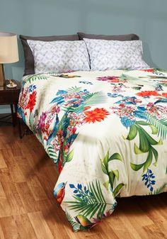If the Snooze Fits Duvet Cover in Full/Queen. A duvet cover that satisfies your exotic taste and vibrant lifestyle? #multi #modcloth