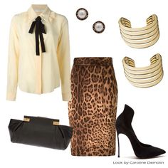 Gola laço - me amarrei nessa! Veja post completo em www.carolinedemolin.com.br #moda #fashion #estilo #style ##trend #tendencias #personalstylistbh #consultoriademoda #consultoriadeimagem #looks #lookdodia #lookoftheday #loveshoes #shoes #lanvin #dolcegabbana #chloe #bijouxnet #michaelkors #casadei www.carolinedemolin.com.br