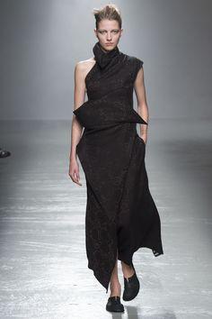 Aganovich Spring 2016 Ready-to-Wear Fashion Show