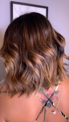 Short Hairstyles For Thick Hair, Short Brown Hair, Haircut For Thick Hair, Light Brown Hair, Bob Hairstyles, Short Hair Styles, Short Highlighted Hairstyles, Older Women Hairstyles, Medium Hair Styles