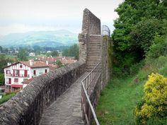 Saint-Jean-Pied-de-Port: Chemin de ronde de la cité historique