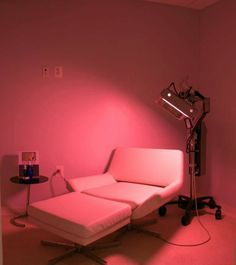What is Red Light Therapy? Wavelengths of red light improve the skin's ability to heal and generate new collagen. Red light therapy targets the skin's oil glands to reduce cytokines, a class of pro-inflammatory substances that play a role in chronic acne. Red Light Therapy is used to brighten skin tone, reduce wrinkles, and signs of aging. #RedLightTherapy #lighttherapy #BlushMed #skintreatment #Bskin