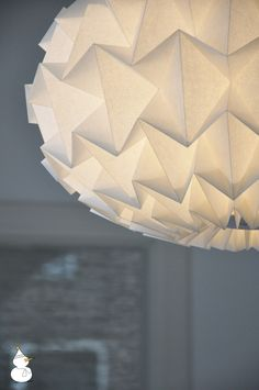 Signature gevouwen papieren origami lamp perkament wit