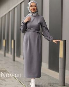 34 New Ideas For Style Vestimentaire Moderne Femme Hijab Style Dress, Casual Hijab Outfit, Hijab Chic, Hijab Evening Dress, Mode Abaya, Girl Fashion, Fashion Dresses, Hijab Fashionista, Hijab Fashion Inspiration