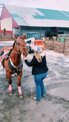 Country Life, Country Girls, Rodeo Life, Most Beautiful Animals, Barrel Racing, Fall Winter Outfits, Curvy Fashion, Cute Pictures, Westerns