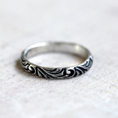 Renaissance pattern ring