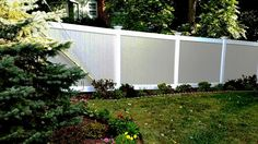 Two-toned Vinyl Privacy Fencing