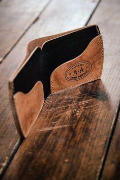 LeatherWorkshop. Изделия из кожи ручной работы