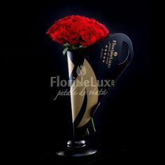Buchetul Grand Gesture este ideal pentru un gest grandios pentru zeita ta, fiind realizat din 19 trandafiri rosii asezati cu eleganta intr-un suport exclusivist Black&Gold, cu toarte. Astfel, buchetul devine foarte usor de transportat oriunde, foarte simplu de oferit, de refolosit si de impresionat! Elegant