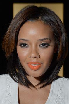 The lipstick color!